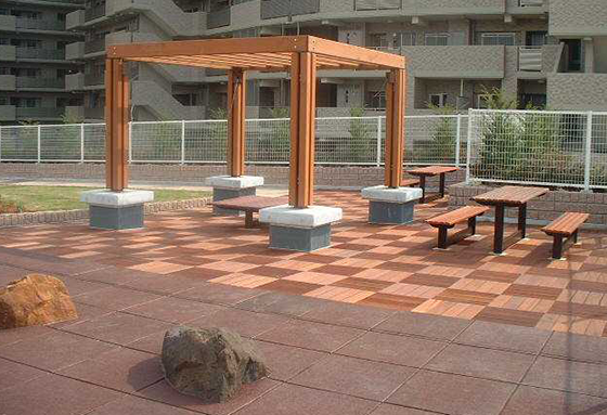 SofTile Rubber Decking Tiles in Brown and Beige - Interlocking Rubber Paver - Deck Tile